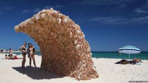 Wave 1 by artist Annette Thas