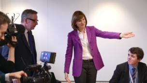 Michael Gove guided into interview room by Fiona Bruce