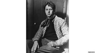 Welsh poet Dylan Thomas (1914 - 1953)
