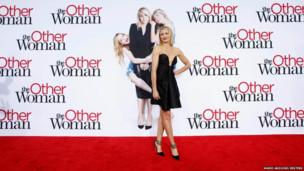 Cameron Diaz poses at the premiere of the her latest film