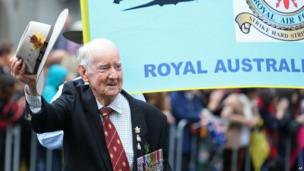 A veteran tips his hat during the ANZAC Day parade, in Sydney, on Friday, 25 April, 2014