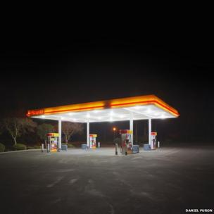 Shell petrol station in California