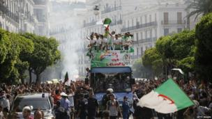 Algeria receive a massive reception from their fans in Algiers on their return from Brazil