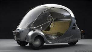 L'Oeuf électrique,1942. Designed and fabricated by Paul Arzens. Courtesy Musée des Arts et Métiers, Paris, France.