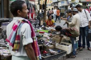 Apart from being the major IT and electronic hub of the city, Chandni Chowk is a very popular second hand market. From the wires to wi-fi routers, or a discarded video camera, there is something for everyone to buy.