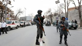 Полиция у госпиталя Сардар Дауд