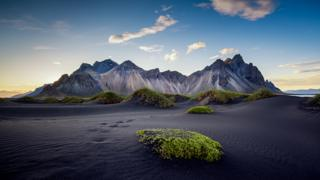 Mountain Views - Richard Hurst / www.igpoty.com