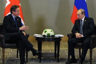 Russian President Vladimir Putin (R) with UK Prime Minister David Cameron in Antalya, 16 Nov 15