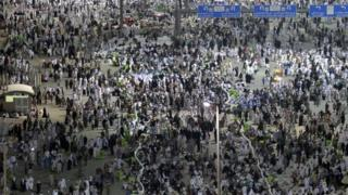 Muslim pilgrims start moving towards the Jamarat stations to symbolically stone the devil in Mina, Mecca - 25 September