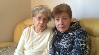 Myrtle Cothill (left) and Mary Wills