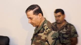 میشل عون در سال ۱۹۸۹