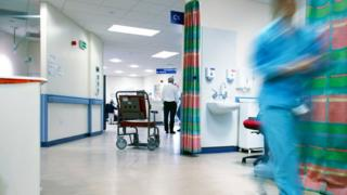A confidential review of government plans for a seven day NHS in England has identified 13 risks, according to the Guardian and Channel 4 News. Image: Science Photo Library