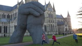 The Kiss sculpture at Salisbury Cathedral