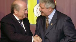 Fifa president Sepp Blatter (L) with Rafael Esquivel in 2004