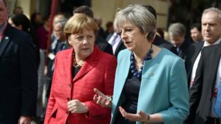 Almanya Başbakanı Angela Merkel ve İngiliz mevkidaşı Theresa May