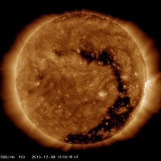 El Sol con el hueco coronal.