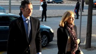 Princess Cristina de Borbon and her husband Inaki Urdangarin arrive at the courtroom at the Balearic School of Public Administration (11 Jan)