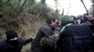 Police raid (pic: Italian police)