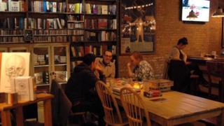 逆轉趨勢:咖啡廳禁Wi-Fi鼓勵面對面交流