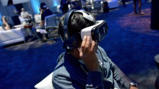 Attendees try out at Samsung Gear VR headsets