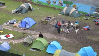 The Cliff Road encampment