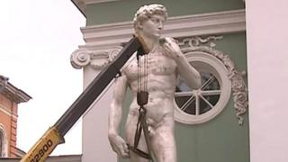 A local TV station shows a copy of Michelangelo's David erected in St Petersburg.