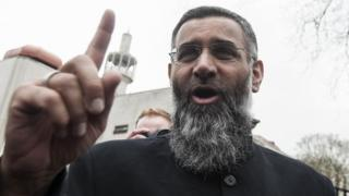 Anjem Choudary, 2015, outside Regent's Park Mosque