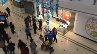 Police in Bromley shopping centre