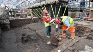 Shakespeare theatre remains revealed