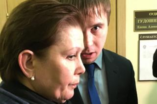 Ukrainian library head Natalia Sharina in court in Moscow (2 Nov)