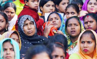 Indian Dalit (Oppressed) Christian and Muslim women listen to leaders during a rally against the National Commission for Scheduled Castes and Scheduled Tribes for its recent rejection of the demand for reservation for Dalit Christians and Muslims, in New Delhi, 03 March 2007. Thousands of protestors, church leaders, nuns and activists of the National United Christian Forum demanded the United Progressive Alliance Government equal rights and reservation for the Dalit Christians and Muslims