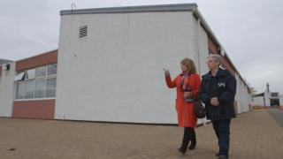 Rhona Hotchkiss, the governor of Cornton Vale, showing Helena Kennedy around the facility