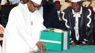 Nigeria's President Muhammadu Buhari presenting the 2016 budget proposal to the parliament in December 2015