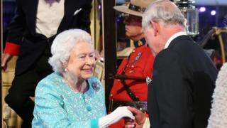 Stars perform for Queen's 90th birthday