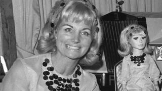 Gerry Anderson and his wife Sylvia at the Dorchester Hotel, Park Lane, London, with the Television Society Silver medal awarded to Thunderbirds in 1966