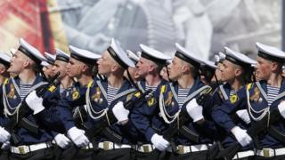 Russian WW2 parade showcases new arms