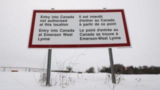 Canada border sign