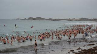 Boxing Day swim, Guernsey