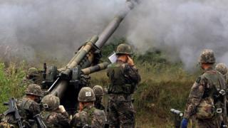 File photo: South Korean soldiers engaging in a drill to fire 155mm shells