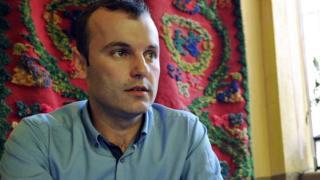 Bosnian Serb mayor Mladen Grujicic speaks in September