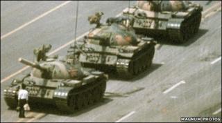 Prostestor in front of tank in Tiananmen Square