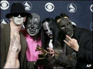 Slipknot at Grammy Awards in 2006, with Paul Gray at right
