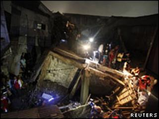 Bangladesh building collapse site