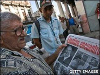 A Cuban reads a newspaper, Havana