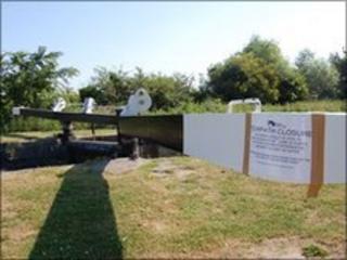 Damaged lock gates Caen Hill