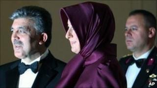 Turkish President Abdullah Gul (left) and his wife Hayrunnisa before the reception in Ankara