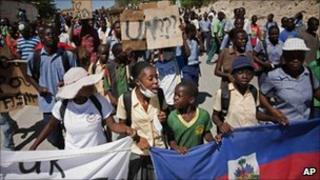Protesters march towards the UN base in Mirebalais, Haiti, where Nepalese peacekeepers live (29 October 2010)