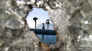 Broken window at the house of Kaif Ben Ali, nephew of ousted president, 16/1