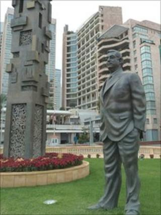 A statue of the late Rafik Hariri in Beirut