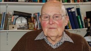 Former RAF Spitfire pilot, Hank Costain
